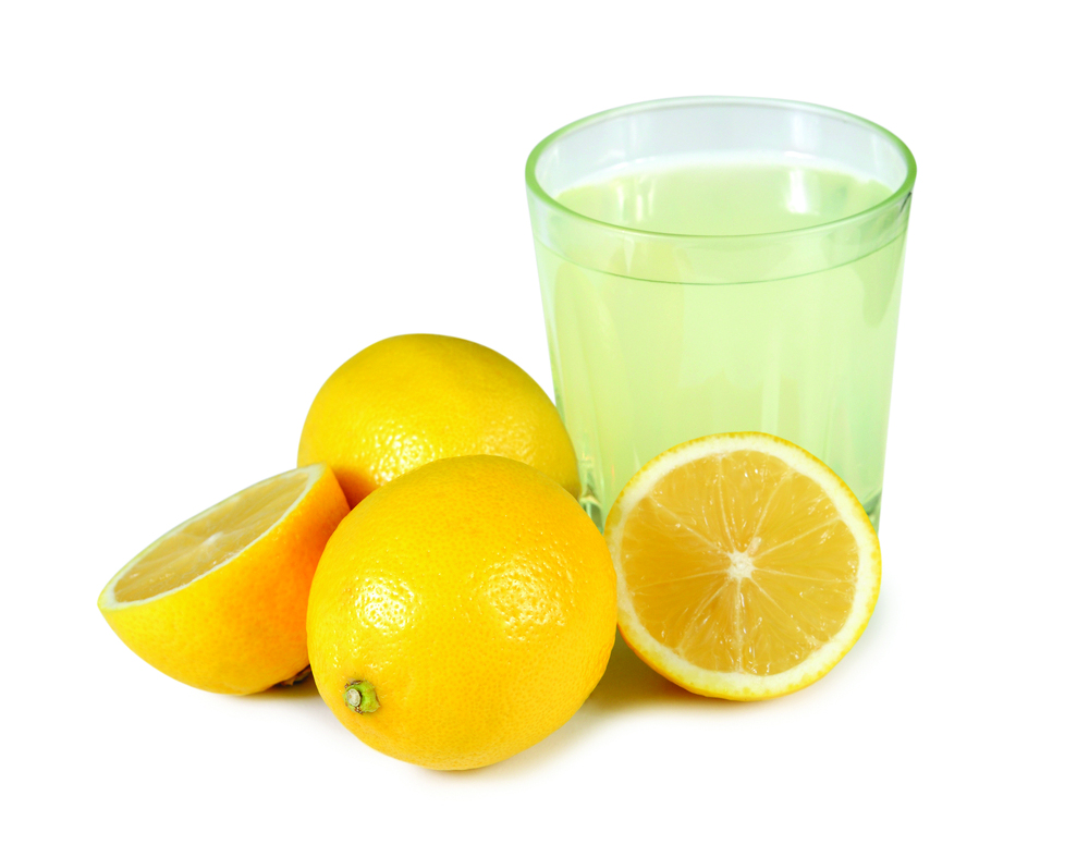 lemon juice to bleach hair naturally at home